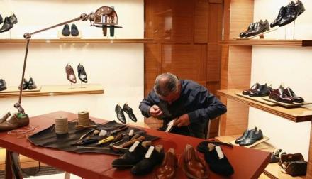 Conheça o Luxo dos Sapatos Masculinos Feitos à Mão