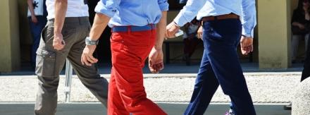 Como usar calça vermelha?
