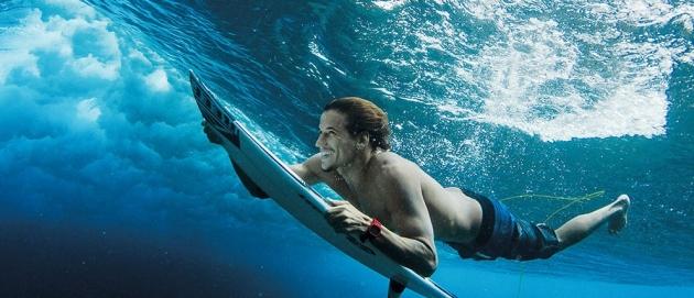 Na crista da onda: as melhores praias para a prática do surfe