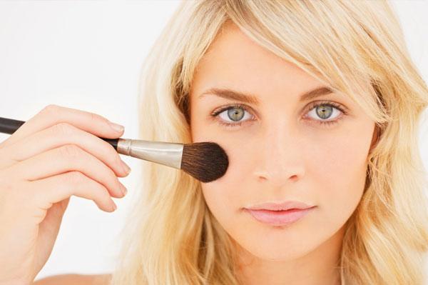 Adapte a maquiagem ao seu tom de pele