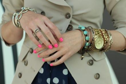 Como usar relógios dourados