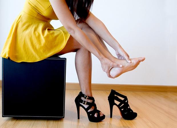 Truque simples para usar salto alto sem sentir dor nos pés