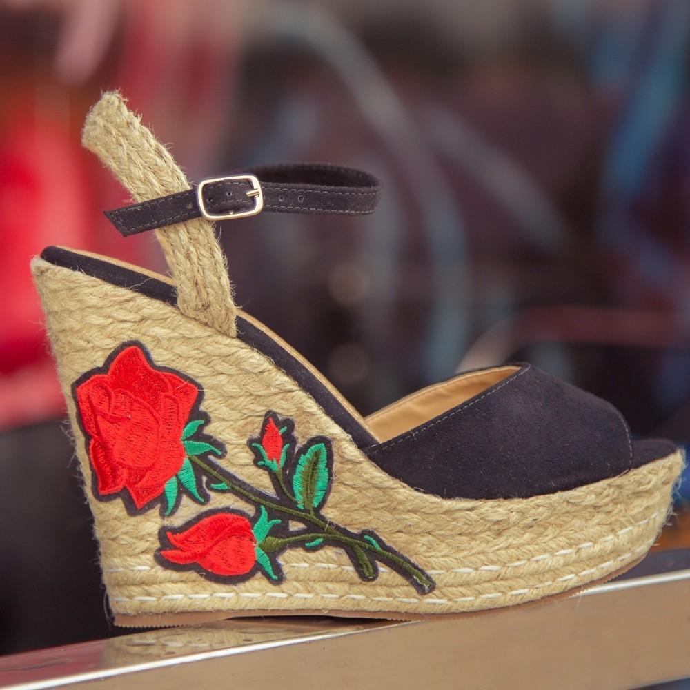 Como Combinar Calçados Florais