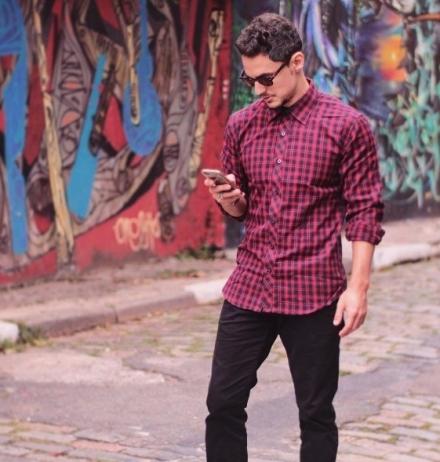 Saiba Como Combinar a Camisa Estampada Masculina
