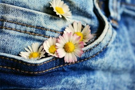 Calça Jeans com Renda — 3 Dicas para Fazer a Combinação