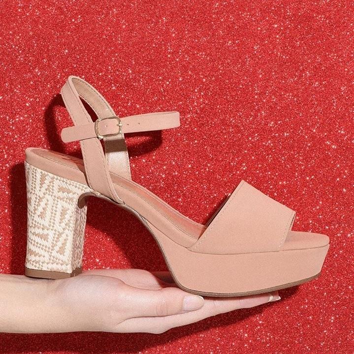 Cores de sapatos que combinam com tudo