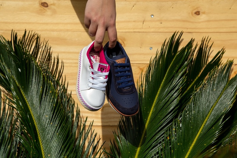 Sapatos essenciais para o guarda-roupa dos pequenos