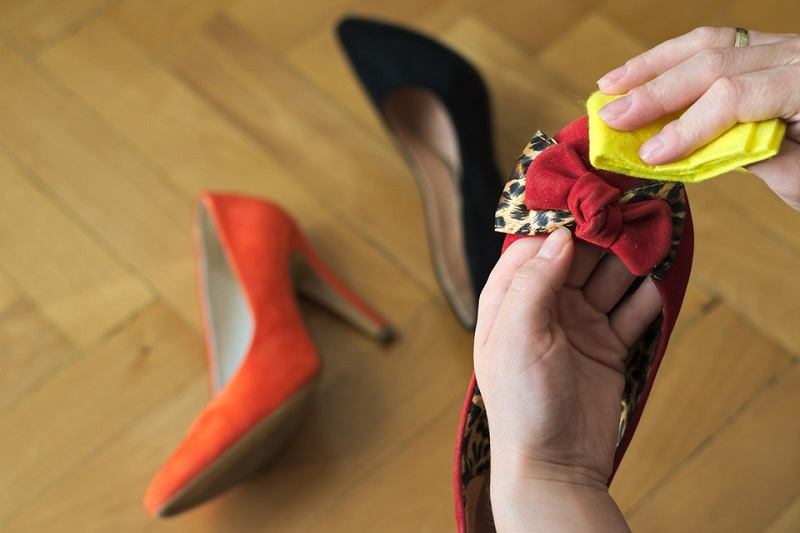 Formas de eliminar o mau cheiro dos sapatos