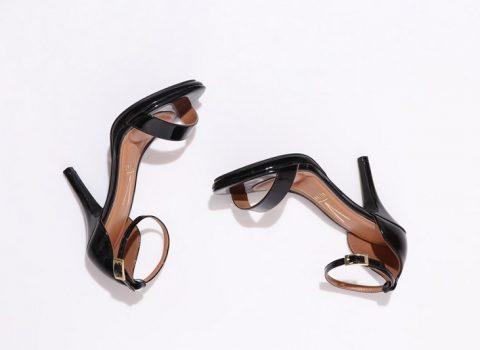 Sandálias que não podem faltar no seu guarda roupa